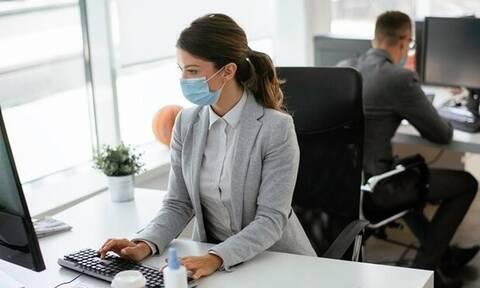 ΓΣΕΕ: Σχεδόν ένας στους δύο εργαζομένους δεν πληρώνεται τις υπερωρίες