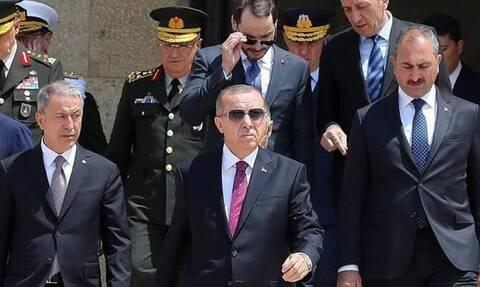 Στα κάγκελα οι Τούρκοι για τον «δικτάτορα» Ερντογάν: Ιταλοί, θυμηθείτε τον Μουσολίνι