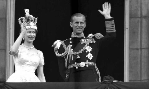 Πρίγκιπας Φίλιππος: Ποιος ήταν ο πρίγκιπας του Εδιμβούργου - Η σχέση του με την Ελισάβετ