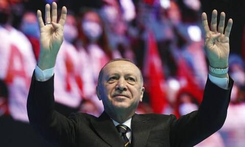 Συνεργάτης του Ερντογάν κατηγορεί χυδαία την Ελλάδα - Έσβησε το μήνυμα από το Twitter άρον άρον