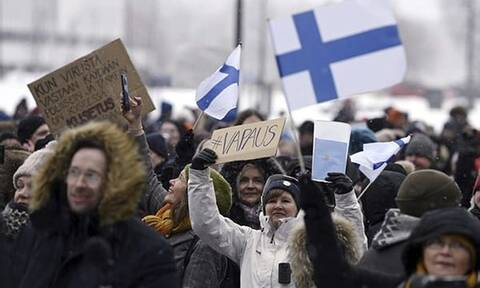 Κορονοϊός: Διαδηλώσεις κατά των περιοριστικών μέτρων σε Αυστρία, Φινλανδία, Δανία και Νορβηγία