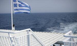Ζαχαράκη στο Newsbomb.gr: Όχι σε προληπτική καραντίνα στους τουρίστες