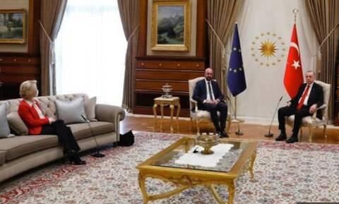 Sofagate: Η Τουρκία «παγώνει» την αγορά ιταλικών ελικοπτέρων σε αντίποινα για τις δηλώσεις Ντράγκι