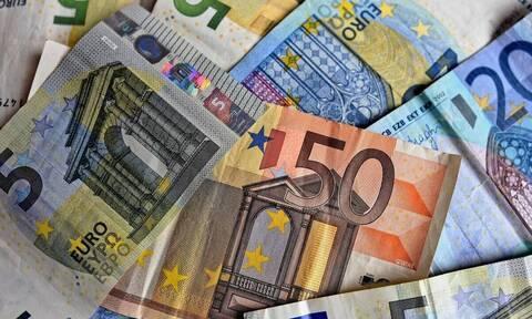 Συντάξεις: Ποιοι θα συνεχίσουν να λαμβάνουν κατώτατη σύνταξη 486,84 ευρώ