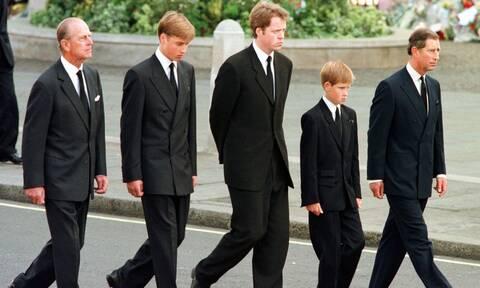 Πρίγκιπας Φίλιππος: «Δύσκολη» η κηδεία για Γουίλιαμ και Χάρι - Οι μνήμες που θα τους ξυπνήσει