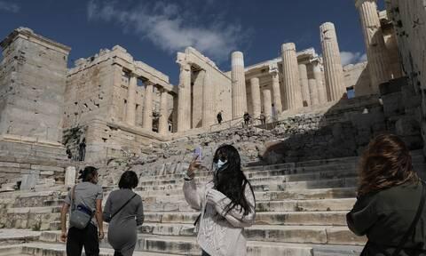Θετική ψήφος στον ελληνικό τουρισμό: Γερμανοί, Αυστριακοί, Ελβετοί επιλέγουν την Ελλάδα για διακοπές