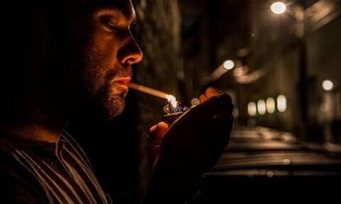 Οι Έλληνες στην πανδημία: Καπνίζουν περισσότερο, ζητούν ενημέρωση για λιγότερο βλαβερές λύσεις