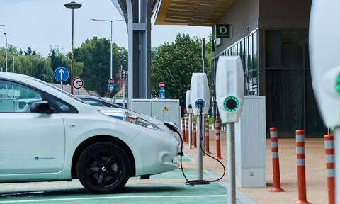 Μικρή η διείσδυση των ηλεκτρικών οχημάτων στην ελληνική αγορά