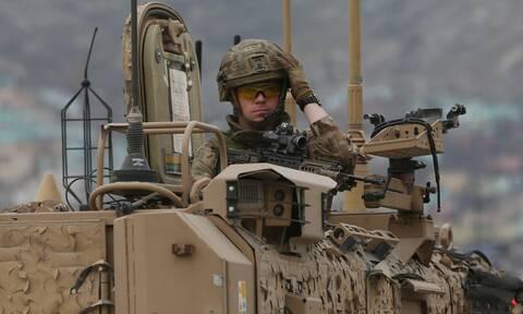 The Times: Αποσύρονται ως τις 11 Σεπτεμβρίου σχεδόν όλοι οι Βρετανοί στρατιώτες από το Αφγανιστάν