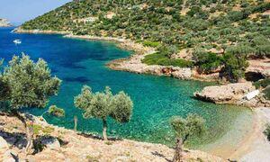 Το Family Traveller προτείνει τα 10 καλύτερα ελληνικά νησιά για τις φετινές οικογενειακές διακοπές