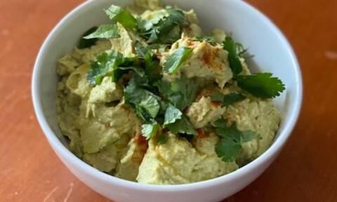 Συνταγή για Avocado Hummus μέσα σε 5 λεπτά από τη Majenco