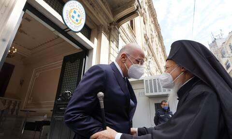 Στην Κωνσταντινούπολη ο Νίκος Δένδιας - Συνάντηση με Βαρθολομαίο