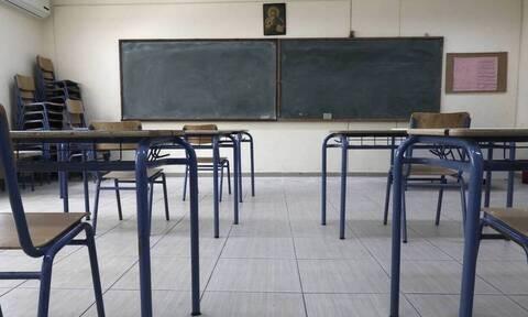 Ρέθυμνο: Μηνύσεις από γονείς επειδή δεν επιτρέπεται η είσοδος μαθητών στο σχολείο χωρίς self test