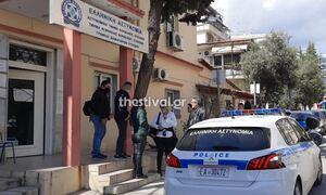 Θεσσαλονίκη: Έκανε μήνυση στον διευθυντή επειδή δεν άφησε τον γιο της να μπει στο σχολείο χωρίς τεστ