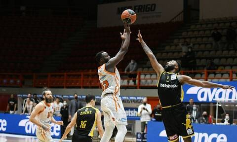 Basket League: Απίστευτο σόου Γκραντ, «σκότωσε» την ΑΕΚ - Βαθμολογία και στιγμιότυπα