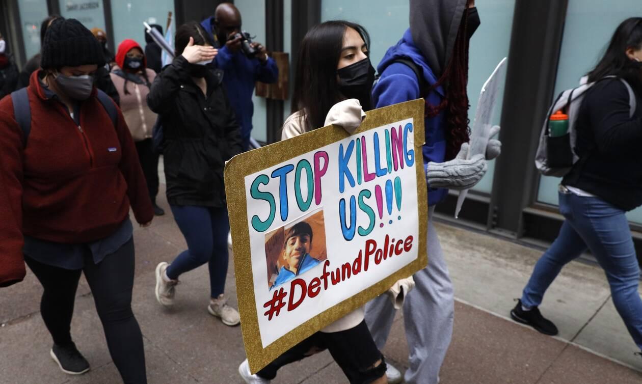 ΗΠΑ: Για ανθρωποκτονία εξ αμελείας κατηγορείται αστυνομικός που σκότωσε Αφροαμερικανό στη Μινεσότα