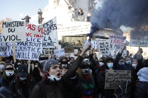 Γαλλία: Προς έγκριση ο νόμος για την «καθολική ασφάλεια» που έβγαλε τους Γάλλους στους δρόμους