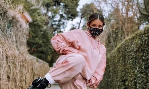 Οικονομάκου: Η ηθοποιός αυτοσαρκάζεται για τα κιλά της με μια αδημοσίευτη φωτό