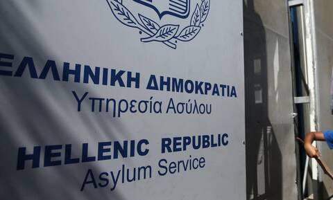 Υπ. Μετανάστευσης: Προς κατάργηση το οικονομικό βοήθημα για τους αιτούντες άσυλο εκτός δομών