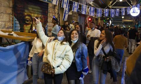 Κορονοϊός - Ισραήλ: Σταματάει να είναι υποχρεωτική η προστατευτική μάσκα