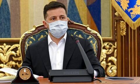 Ουκρανία: Ο πρόεδρος Ζελένσκι ζητεί την ένταξη της χώρας του στην ΕΕ και στο ΝΑΤΟ