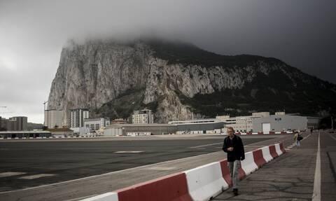 Το Γιβραλτάρ βγήκε από την πανδημία και το Newsbomb.gr βρήκε τον Έλληνα που το… έζησε