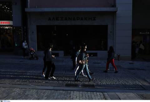 Lockdown: «Κληρώνει» σήμερα για εμπορικά κέντρα, φροντιστήρια και αγορές σε καταστήματα