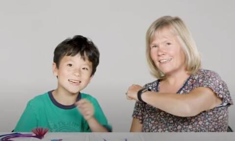 Παιδιά βάφουν, κουρεύουν και χτενίζουν τους δασκάλους τους (vid)