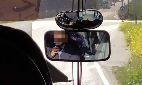 Λάρισα: Οδηγός ΚΤΕΛ έβγαλε τη μάσκα και άναψε τσιγάρο