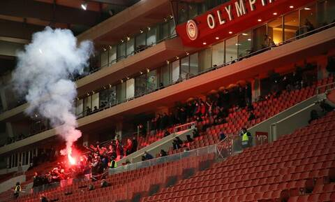 Super League: Πρόστιμο και δύο αγωνιστικές… κεκλεισμένων στον Ολυμπιακό