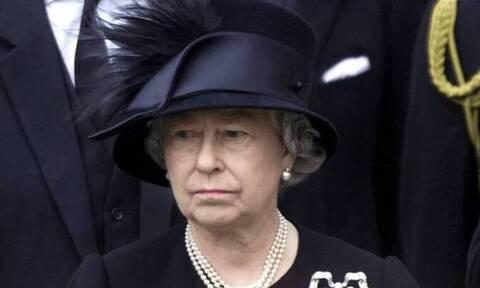 Πρίγκιπας Φίλιππος: Χωρίς το μαύρο βέλο της η Βασίλισσα Ελισάβετ στην κηδεία του