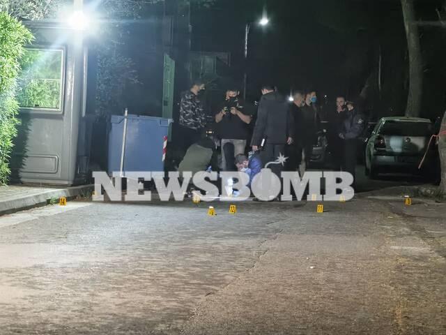 Ισχυρές αστυνομικές δυνάμεις έξω από το σπίτι του παρουσιαστή