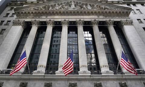 ΗΠΑ: Κλείσιμο με άνοδο και νέα ιστορικά υψηλά για δύο δείκτες στη Wall Street