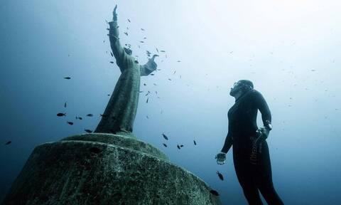 Υποβρύχιο άγαλμα του Ιησού Χριστού: Πού βρίσκεται;