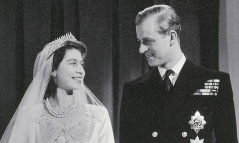 H βασίλισσα Ελισάβετ θρηνεί και αποχαιρετά τον Φίλιππο με τον πιο συγκινητικό τρόπο (photo)