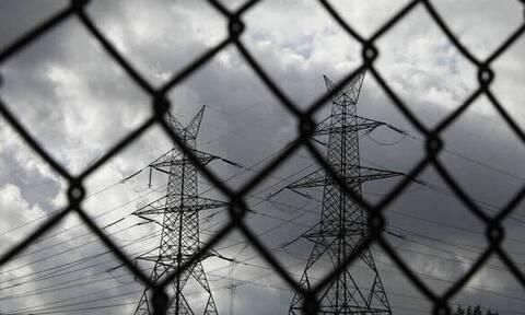 Διακοπή ρεύματος στα Ανώγεια: Νοτιάδες έκοψαν στη μέση κολώνα της ΔΕΗ