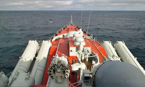 «Επί ποδός πολέμου» η Ρωσία στη Μαύρη Θάλασσα: Κινητοποίηση ισχυρών ναυτικών δυνάμεων