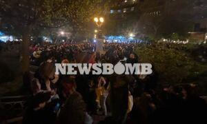 Lockdown: Χαμός στις πλατείες - Εκατοντάδες άτομα σε κορονοπάρτι στην Κυψέλη και την Αγία Ειρήνη
