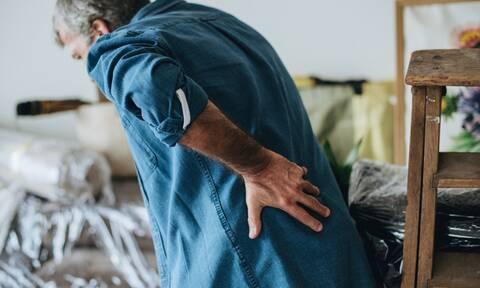Χρόνιος πόνος, πρήξιμο και φλεγμονή: 11 τροφές που επιδεινώνουν τα συμπτώματα (εικόνες)