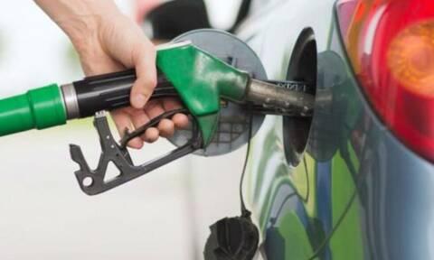 Τα 6 μυστικά για να καις λιγότερη βενζίνη