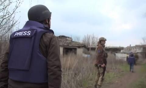 Βίντεο:  Στην πρώτη γραμμή της «παγωμένης σύγκρουσης» στην ανατολική Ουκρανία