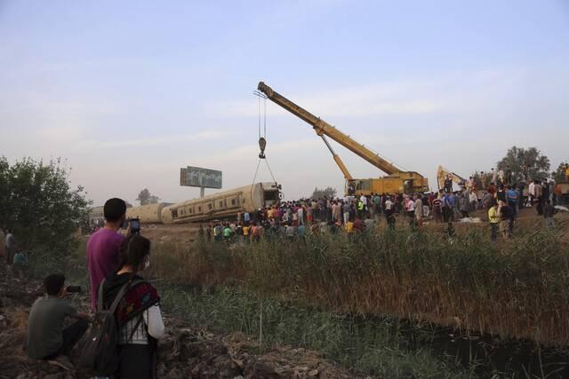 Εκτροχιασμός τρένου με τουλάχιστον 11 νεκρούς στην Αίγυπτο