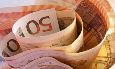 «Βρέχει» λεφτά τις επόμενες ημέρες: Πληρώνονται συντάξεις και επιδόματα - Ποιοι πάνε Ταμείο