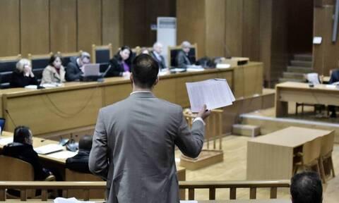 Δικηγόρος προσέφυγε στο ΣτΕ ζητώντας κατά προτεραιότητα εμβολιασμό