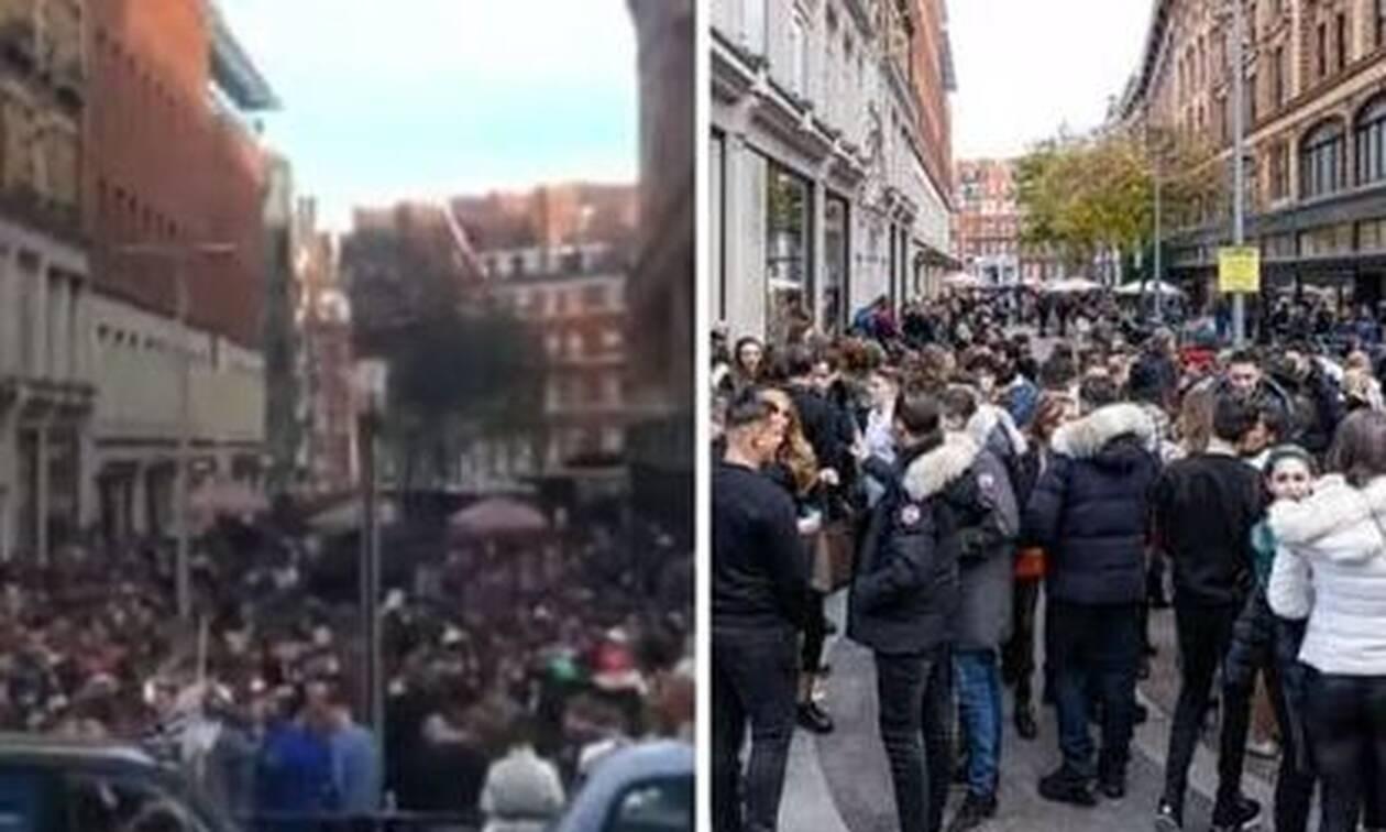 Λονδίνο - Κορονοϊός:Χαμός από κόσμο έξω από τα Harrods - Κοσμοσυρροή στο κατάστημα