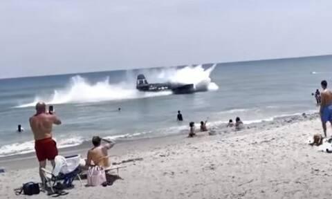 Βίντεο: Βομβαρδιστικό του Δευτέρου Παγκοσμίου Πολέμου έπεσε σε παραλία της Φλόριντα