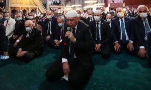 Τριπλό «χουνέρι» της Ελλάδας στον Ερντογάν: Το… φυσάει και δεν κρυώνει ο «σουλτάνος»