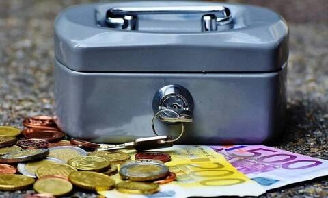 Συντάξεις Μαΐου: Αντίστροφη μέτρηση για τις πληρωμές - Αναλυτικά οι ημερομηνίες ανά Ταμείο