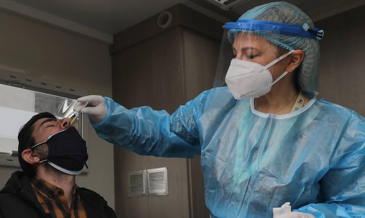 Γκάγκα: Καλύτερα να ανοίξει η εστίαση με μέτρα - Πολλοί νέοι νοσηλευόμενοι