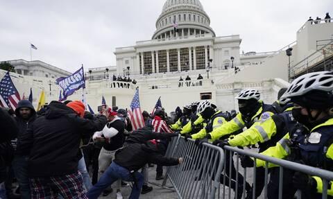 ΗΠΑ: Από φυσικά αίτια o θάνατος αστυνομικού κατά την εισβολή στο Καπιτώλιο λέει ο ιατροδικαστής